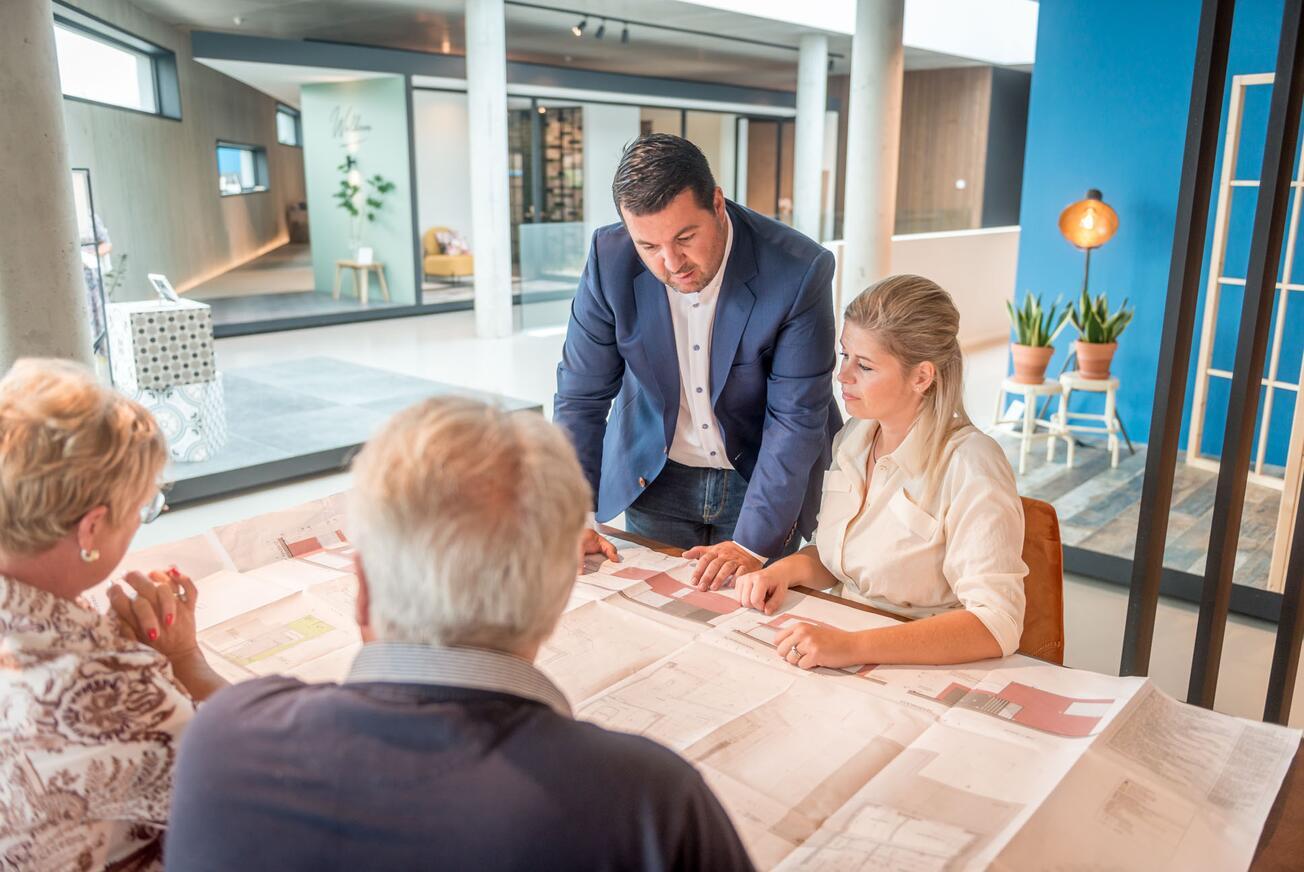 Eerste gesprek bij bouw assistentiewoning bij Edima